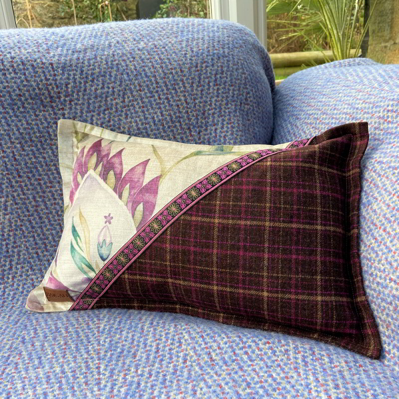 Cheviot Cushion CH004