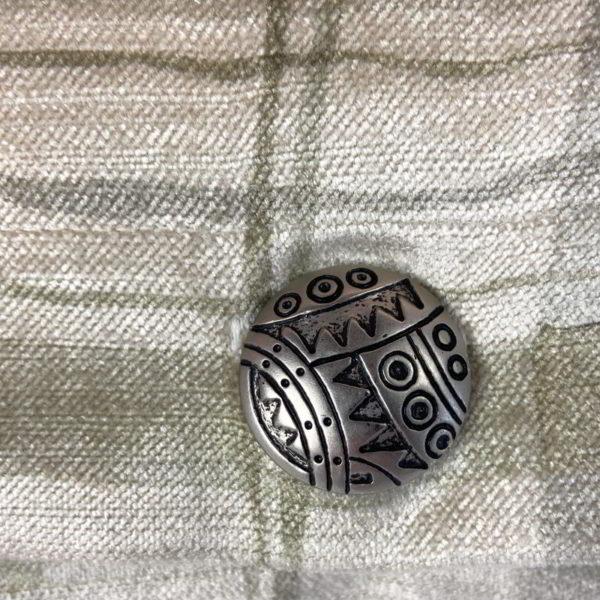PE035 button1