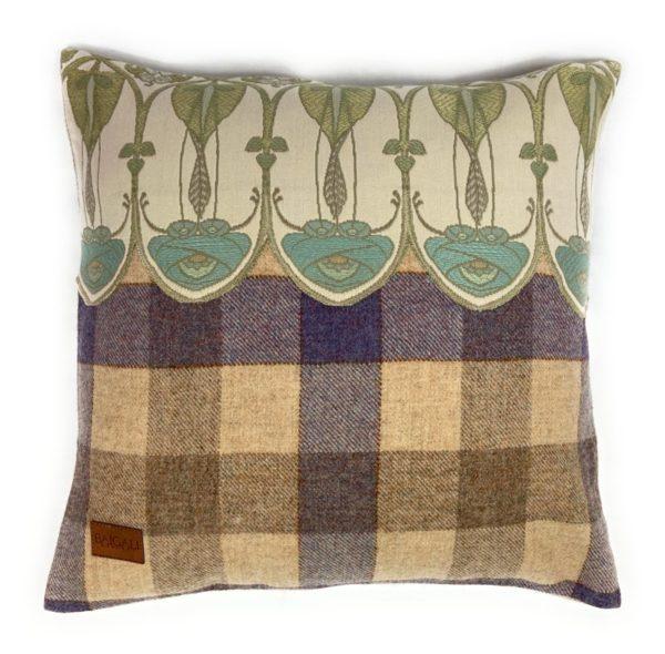 Belle Epoque Cushion TR094 front