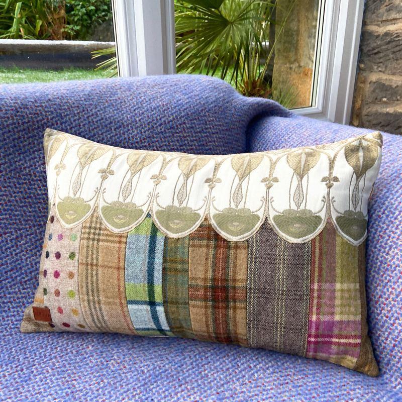 Belle Epoque Cushion TR119